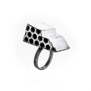 White Structure Ring