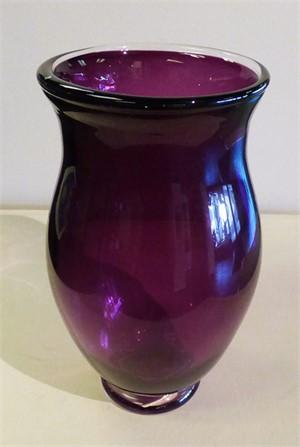 Vase, amethyst