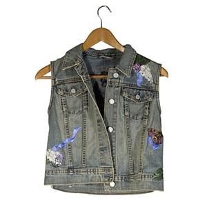 Child's Blue Jean Jacket Sleeveless (Gap, size Medium) Images on Front&Back, 2006