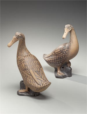 PAIR OF BROWN FIGURES OF DUCKS, Qing Dynasty, Jiaqing period (1796-1820)