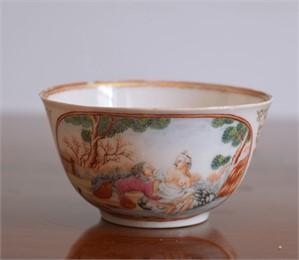 EROTIC DECORATED TEABOWL , Qianglong period (1736-1795), circa 1740