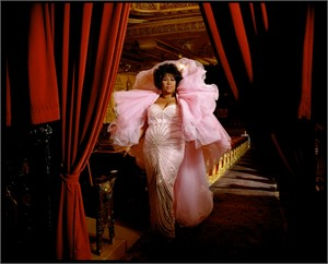 96089 Aretha Franklin Pink Dress Color, 1996
