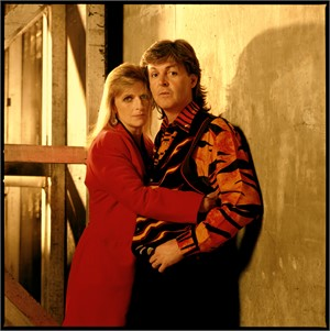 89194 Paul McCartney Paul and Linda Color, 1989