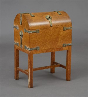 UNUSUAL ARTS AND CRAFTS BRASS MOUNTED BIRDS EYE MAPLE COFFER, English, early 20th century