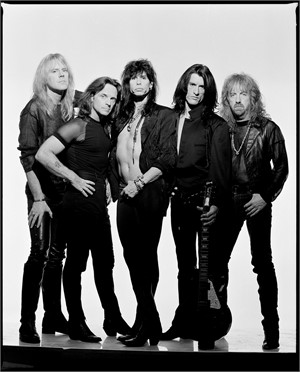 93008 Aerosmith Full Band on White Seamless BW, 1993