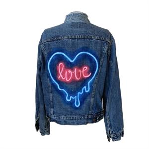 Love in Neon, 2018