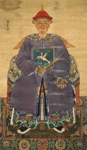 CHINESE ANCESTRAL SCROLL PAINTING OF AN OFFICIAL IN PURPLE ROBES, 9TH RANK, Chinese, Late 18th/19th century