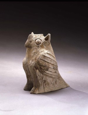 POTTERY FIGURE OF AN OWL, Han Dynasty (206 BC - AD 220)