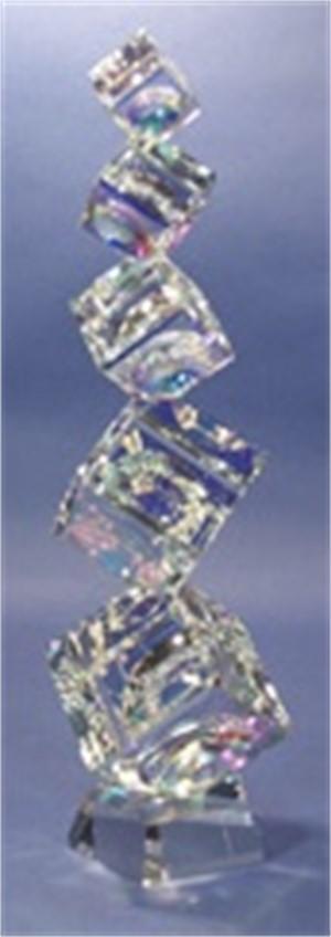 Crystal Cubes Tumbling (5) 60/80/100/120/145mm on Base-L