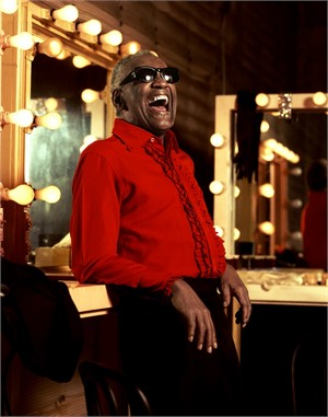 92112 Ray Charles The Smile on Red Color, 1992