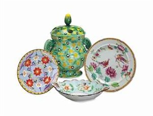 AN ENGLISH IRONSTONE PART SERVICE, AND AN ASSEMBLED GROUP OF ENGLISH GLAZED WARES, 19th century