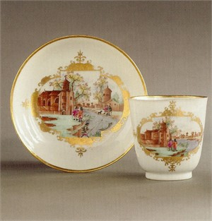 BEAKER AND SAUCER WITH MEISSEN-STYLE HARBOR SCENE, Chinese, 1750