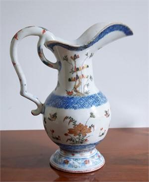 A CHINESE IMARI JUG, Chinese, early 18th century
