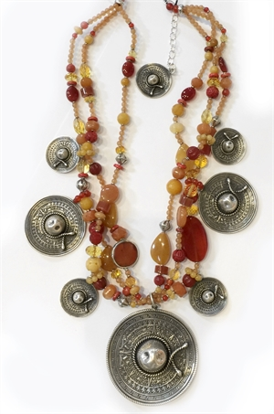 Fy 1332C - 3 Strand Necklace - peach, spiny oyster, carnelian and sombreros, 2019
