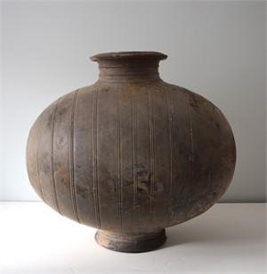 BLACK POTTERY COCOON VASE, Han Dynasty (206 BC-AD 220)