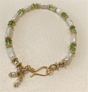 Bracelet - Freshwater Pearl & Peridot  #7778, 2019