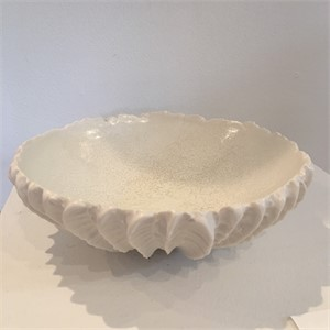 scallop Bowl with Snowflake Interiorl