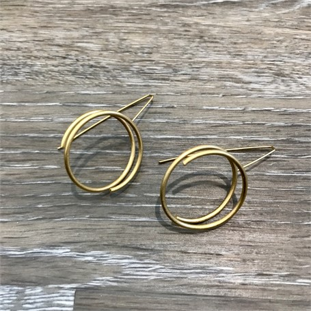 Gold Plated Earrings: Continuous Line Circle