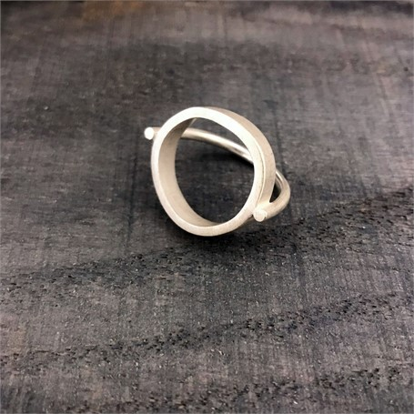 Sterling Silver Ring: Heavy Circle Top