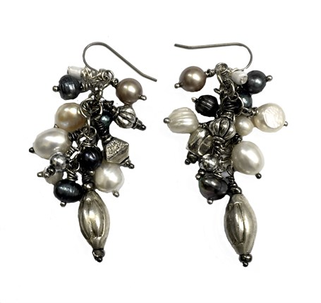 Earrings - Containing Baroque, Keshi With Titanium Wire  D 216