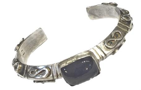 Bracelet - Sterling Silver Triangular Cuff With Lilac Chalcedony - RW211