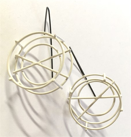 Earring: Small Circle Structure in White
