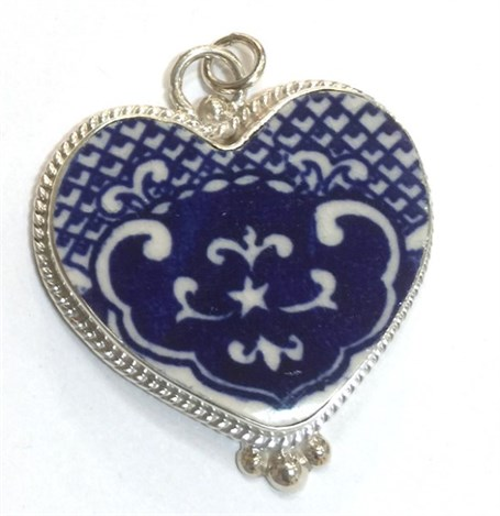 Charm - Vintage Blue Willow Heart