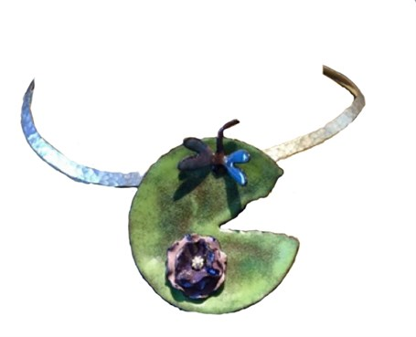 206D - Enameled Lilly Pad w/flower & dragonfly