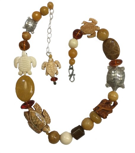 KY 1242 Single strand necklace with yellow jade & agate & carved bone