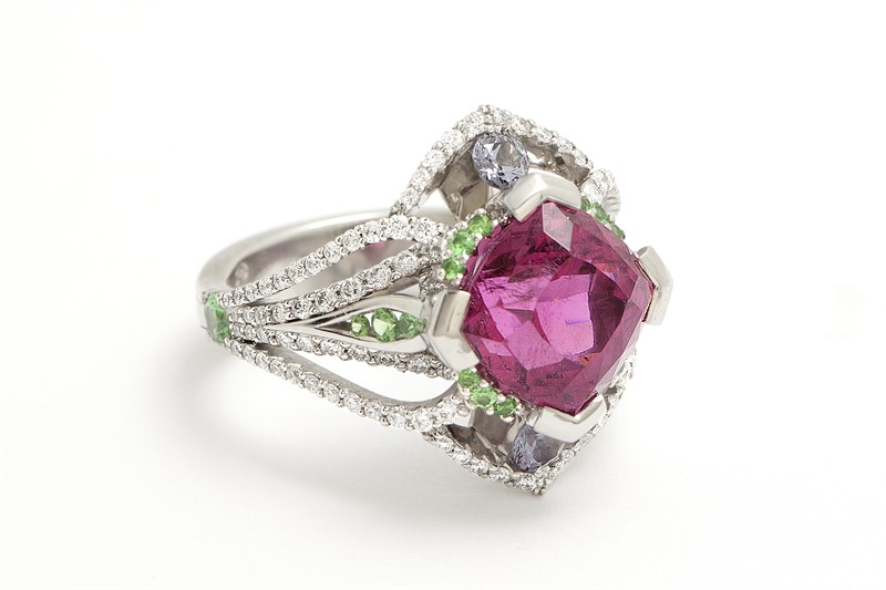 Ryan Roberts- Fine Jewelry- Form and Concept Gallery- Santa Fe New Mexico