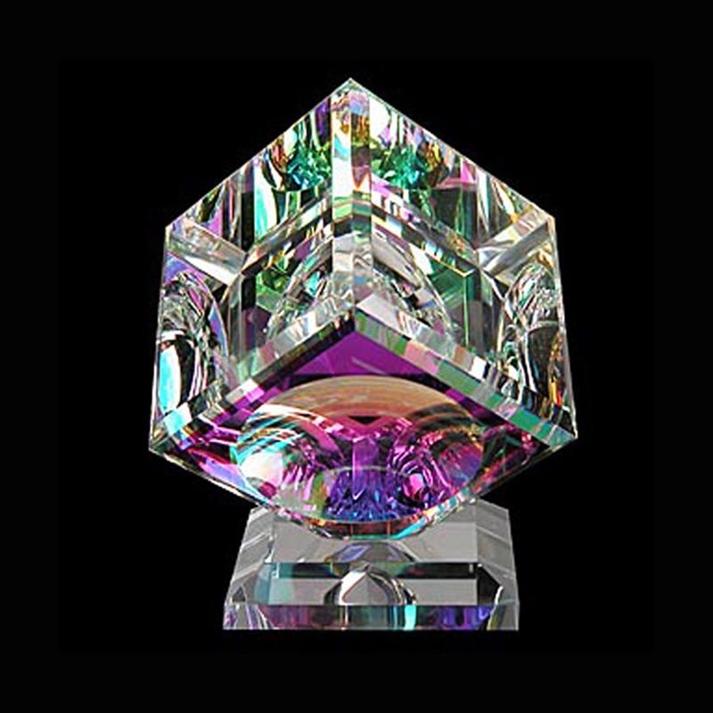 "Crystal Cube 080mm ""B"" Bevel on Base"