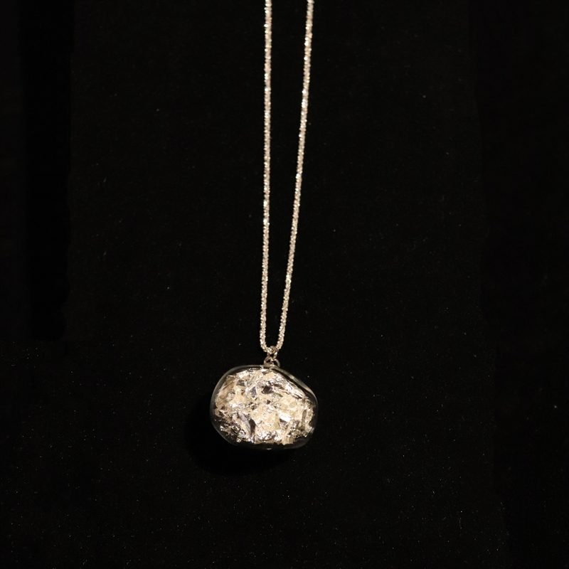 AIR 47 NECKLACE SILVER WITH SILVER LEAF