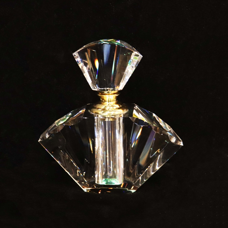 "Crystal Perfume Bottle MidSize - 5.5""x5.25"""