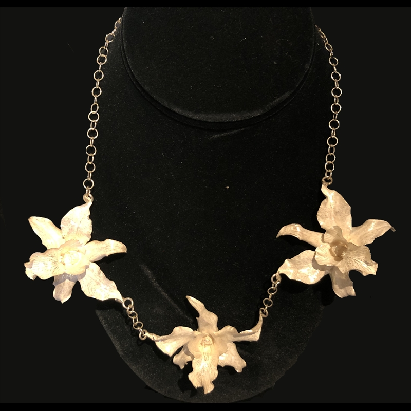 Chained Three Orchid Necklace