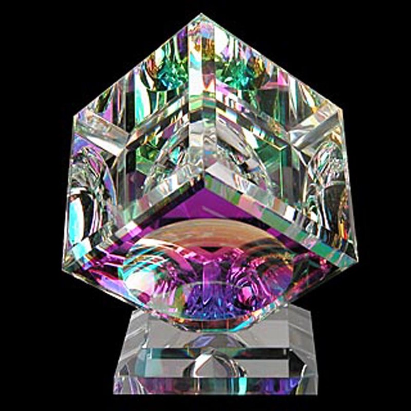 Crystal Cube 175mm on Base-AW