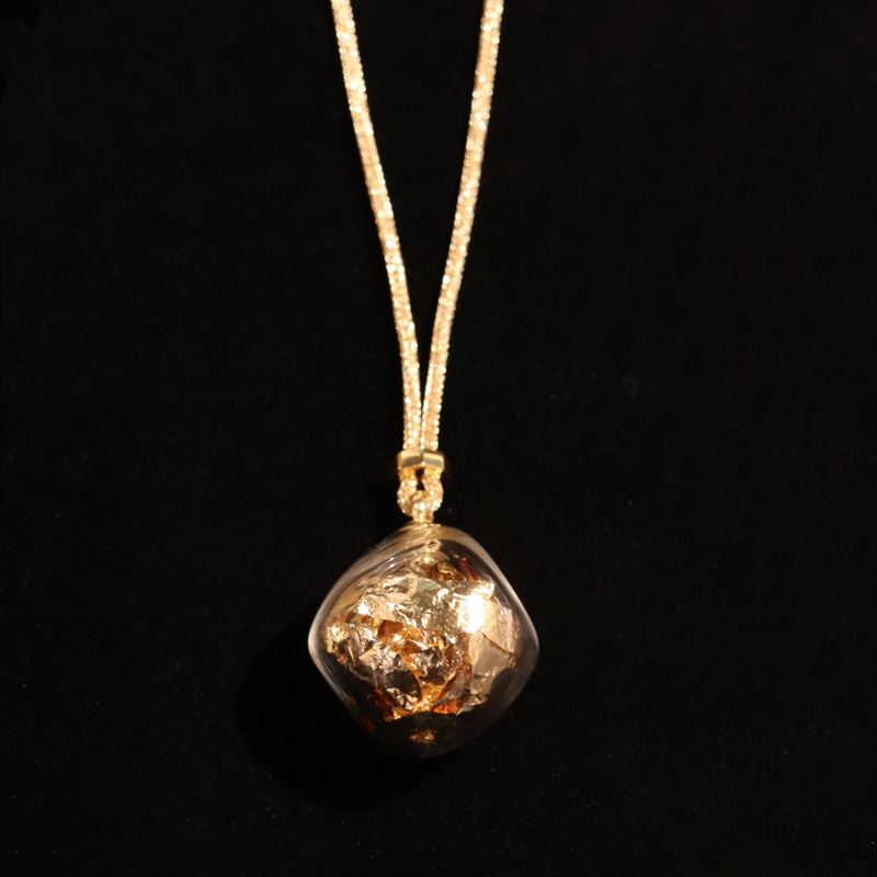 AIR 47 NECKLACE GREY WITH GOLD LEAF