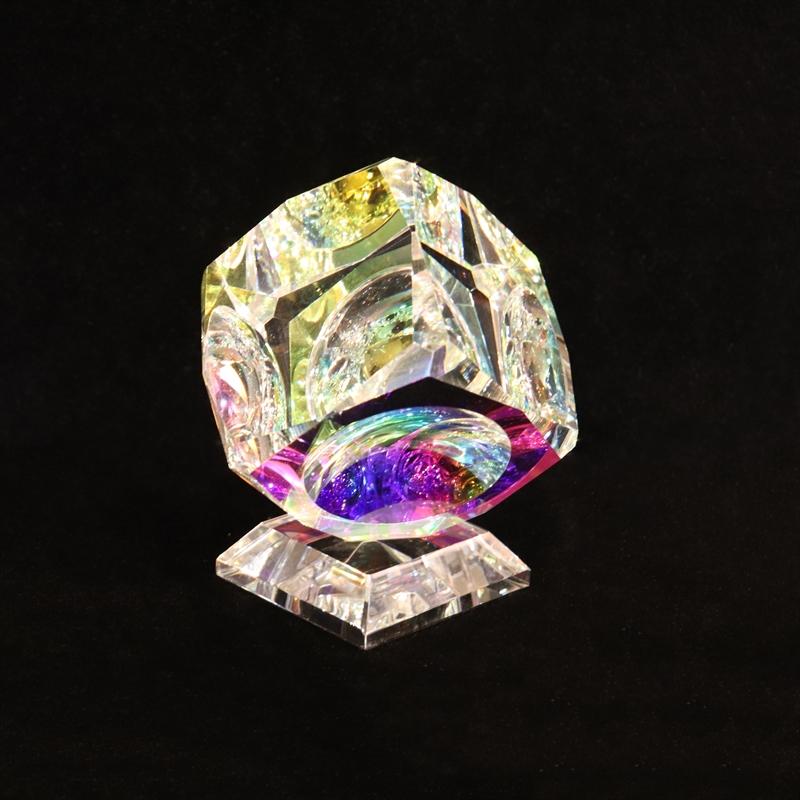 "Crystal Cube 050mm(2"") ""V"" Beveled on Base"