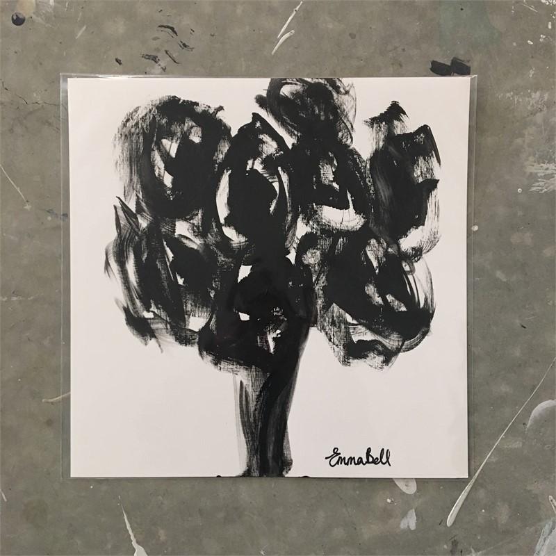Black & White 8 Roses