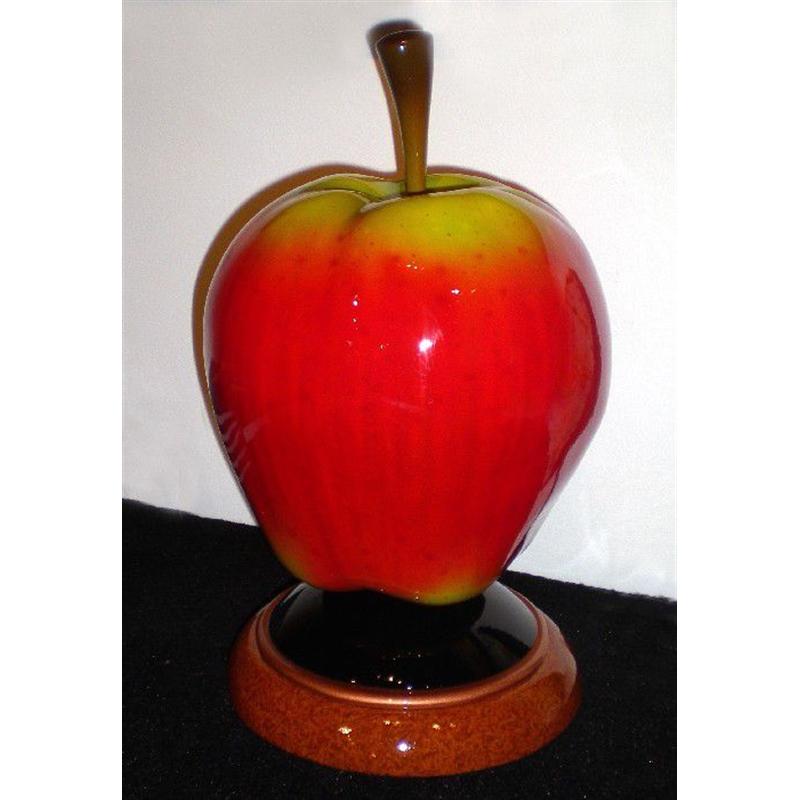 Big Mac (apple) by Daniel Meyer