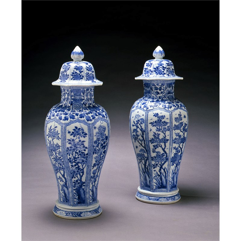 PAIR OF BLUE AND WHITE VASES WITH COVERS, Chinese, Kangxi Period (1662-1722)
