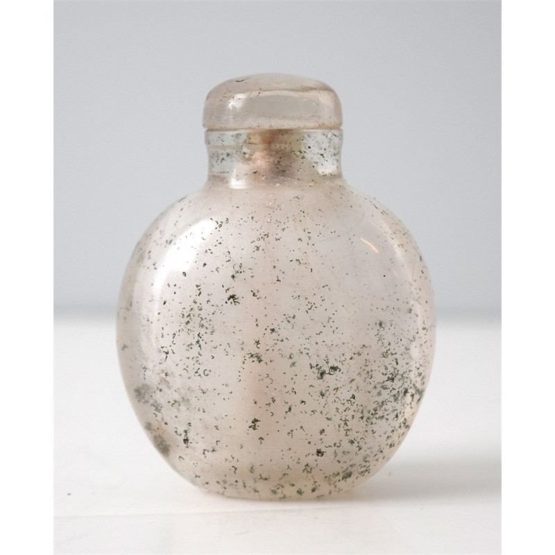 BULBOUS OPAQUE ROCK CRYSTAL SNUFF BOTTLE, 1750-1850