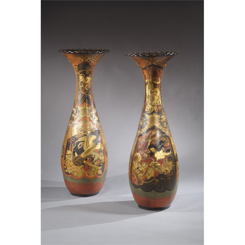 PAIR OF LACQUERED PORCELAIN VASES, Second half, 19th century