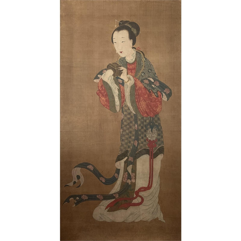 CHINESE POLYCHROME PAINTING ON SILK OF A RICHLY CLOTHED COURT LADY, Chinese, 18th century