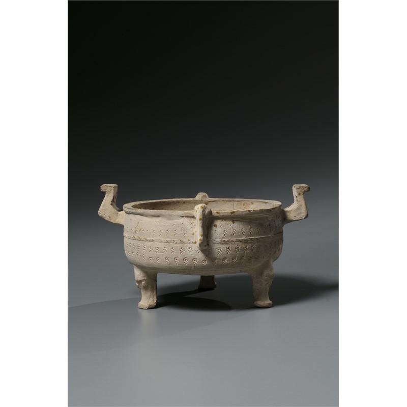 STONEWARE TRIPOD DING VESSEL, Warring States Period (475-211 BC)