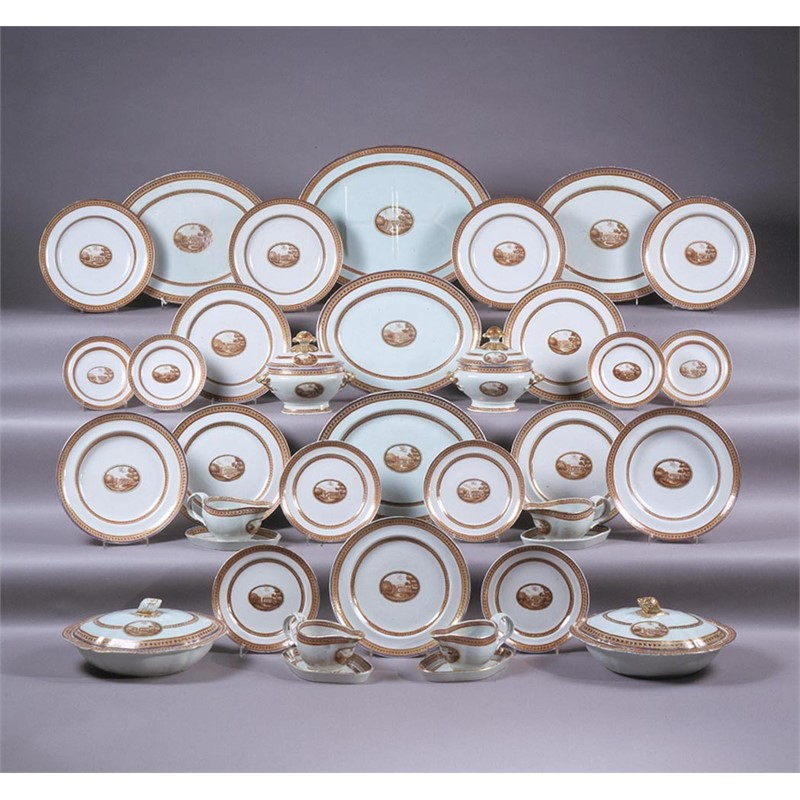 90-PIECE CHINESE EXPORT DINNER SERVICE , Chinese, circa 1805