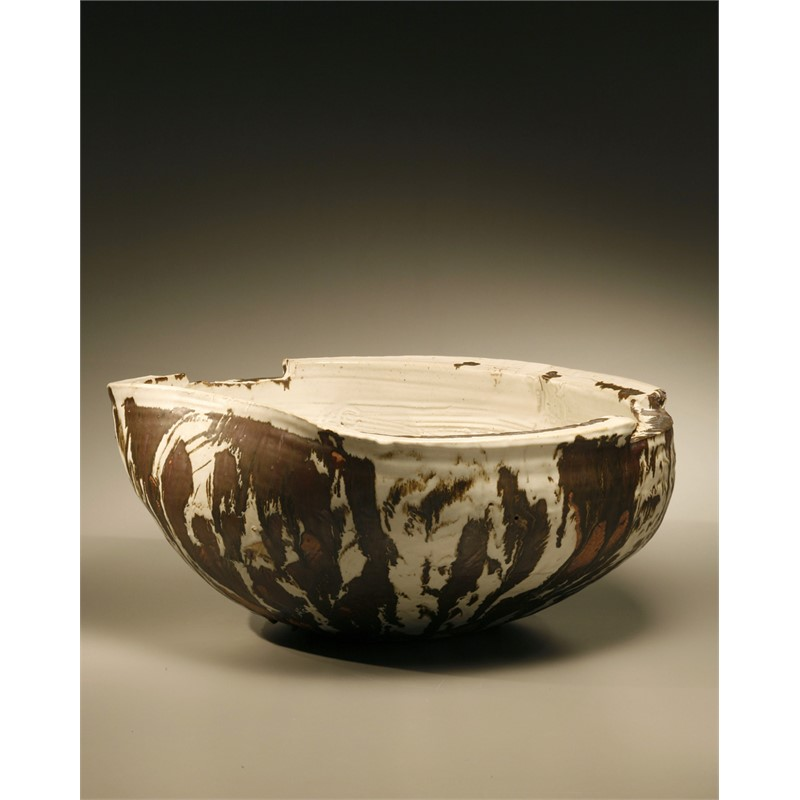 A FELDSPAR GLAZED VASE WITH IRON BRUSH/SOMLUK PANTIBOON, Thai, 2007