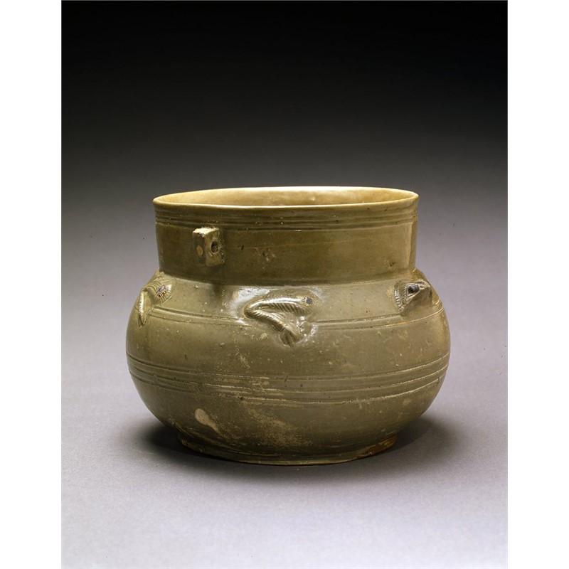 YUE YAO GREEN-GLAZED JAR WITH FROG DESIGN, Jin Dynasty