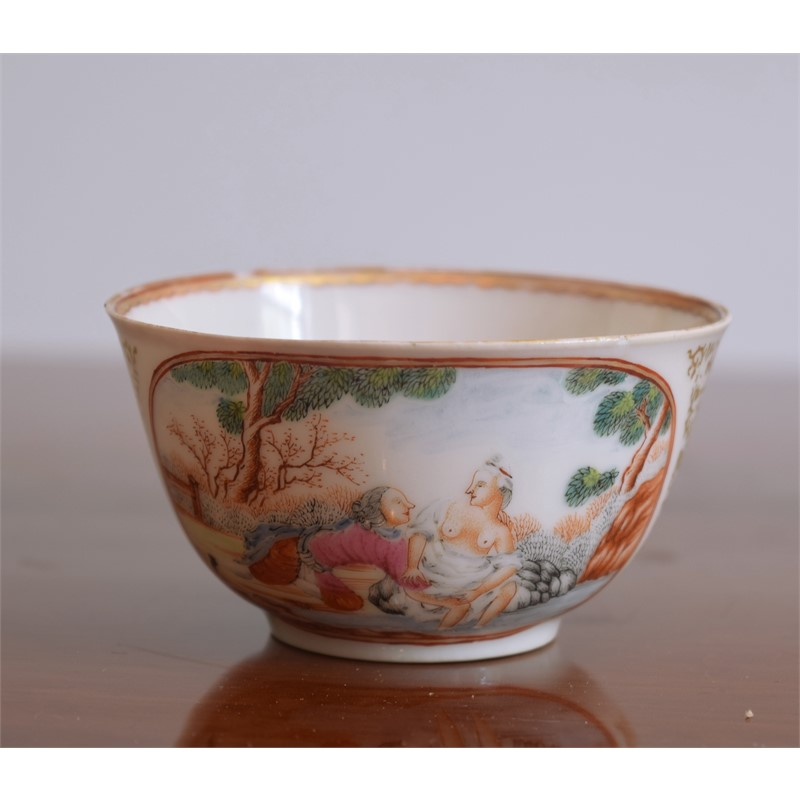 EROTIC DECORATED TEABOWL , Qianglong period (1736-1795), circa 1740
