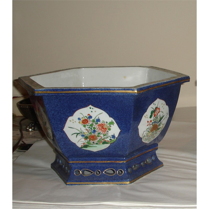 SAMSON POWDER-BLUE GROUND FAMILLE VERTE, 19th century