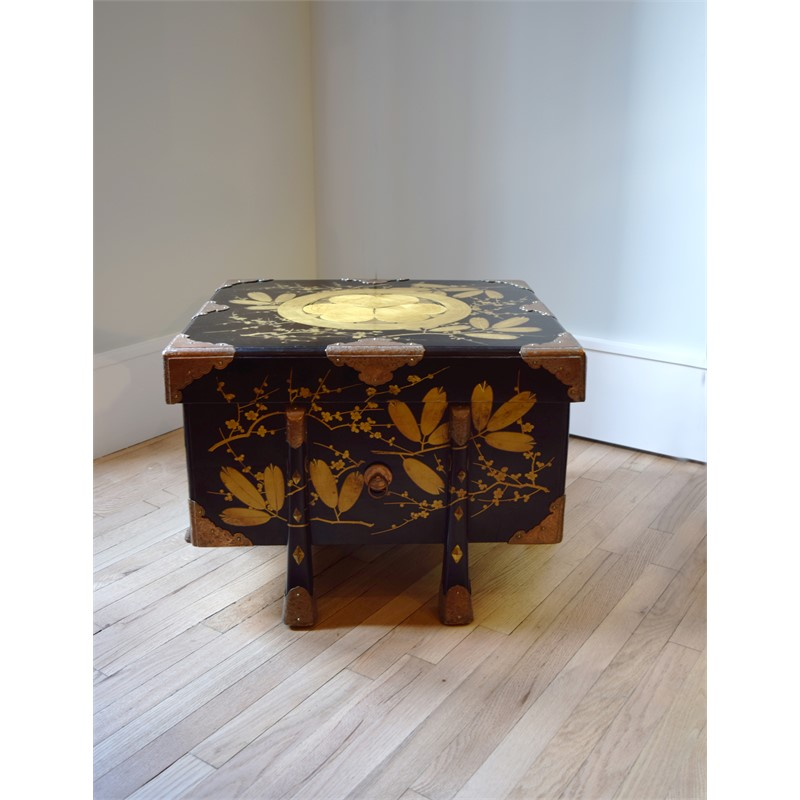 BLACK AND GOLD LACQUER STORAGE CHEST, Japanese, 19th century